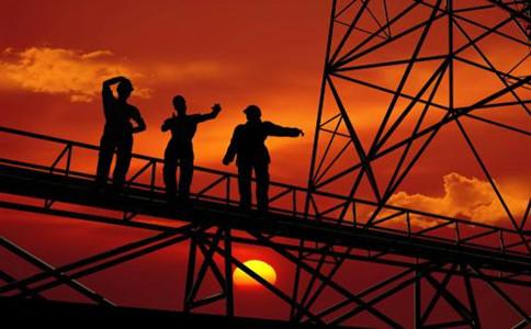 建筑企业与资质代办公司合作要注意什么?如何确保成功办理资质?