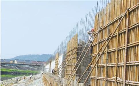 上海建筑企业办理资质证书和安全生产许可证有何区别?